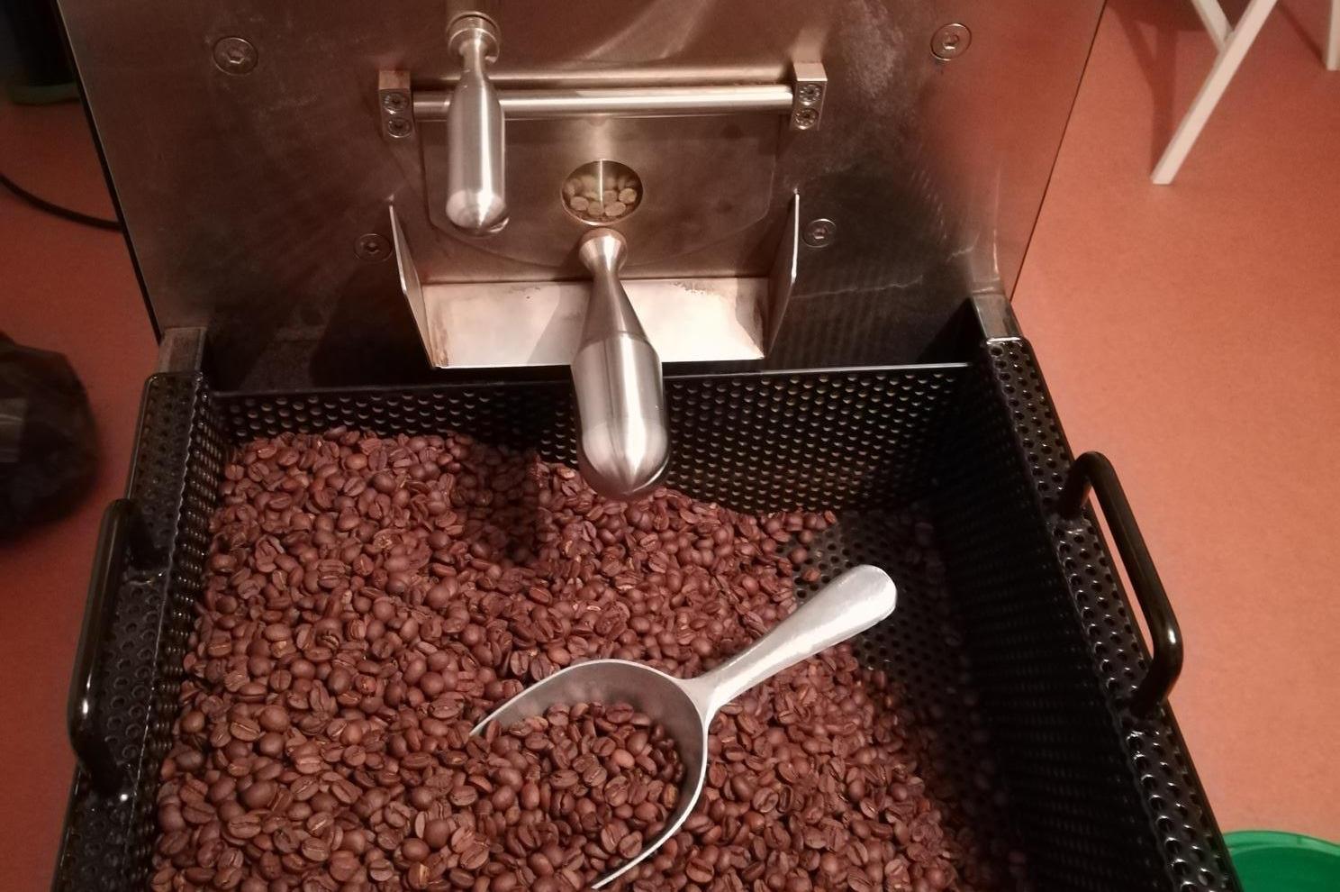 výroba kávy datování rijádů