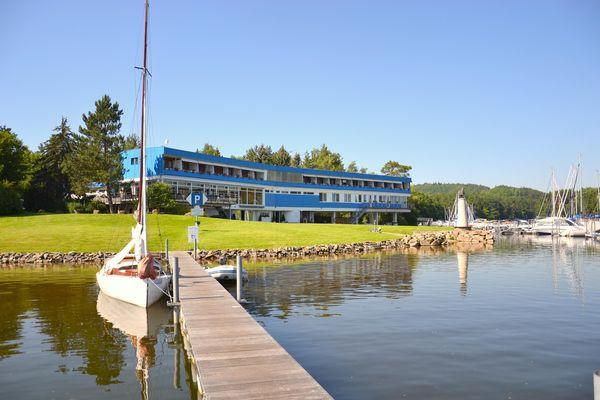 Modrá loděnice - Jachtklub