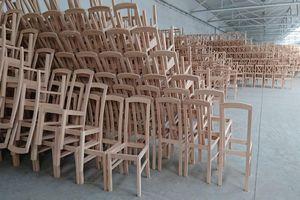 Nábytek STRAKOŠ® – stoly židle postele