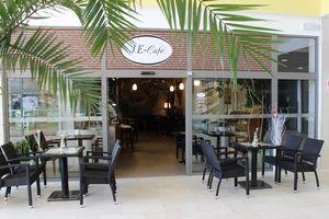 J & E Café s.r.o.