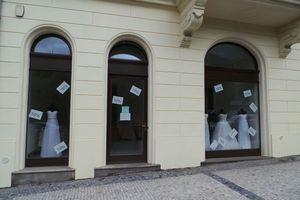 Prodej společenského a večerního oblečení Praha • Firmy.cz f5ce4236d3