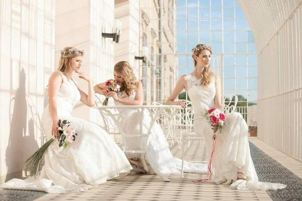 f1d12bfbf59 INA - svatební salon INA - svatební salon ...