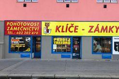 Prodejna II : Praha 7 Dělnická 2 - Klíče, Zámky.